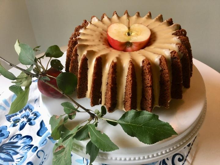 Maple-Glazed Minne-Apple Cake